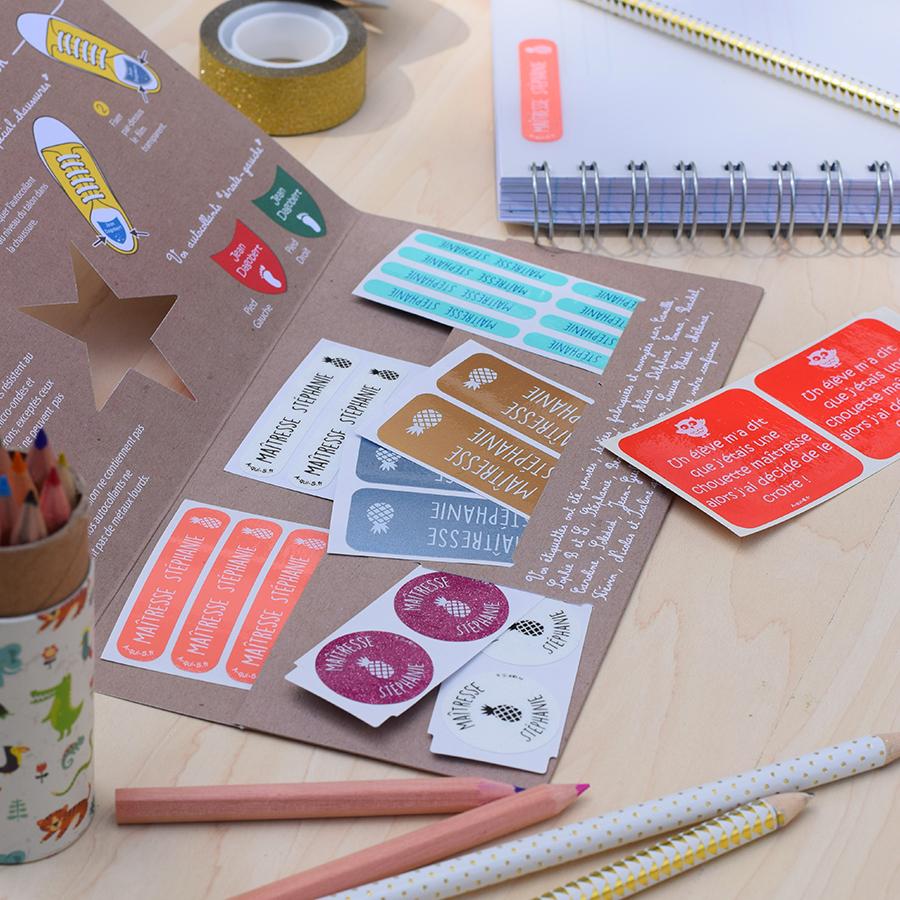 Les étiquettes personnalisées : un cadeau utile et pas cher pour dire merci maîtresse