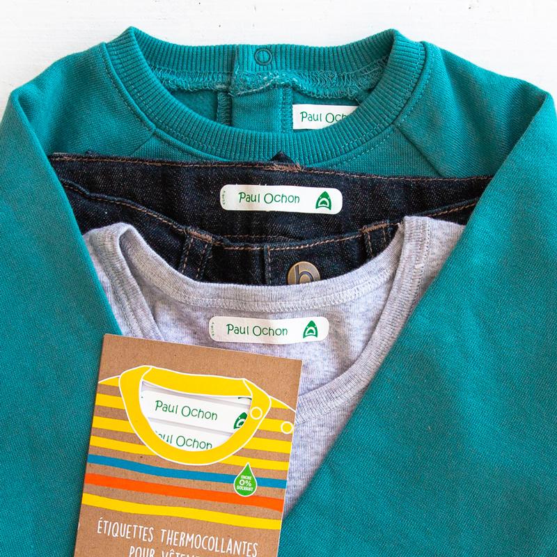 Comment enlever la colle d'une étiquette sur un vêtement ?
