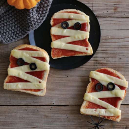 Frightfully easy Halloween recipes: Mummies toasts and Witches brooms